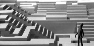 Grafika przedstawiająca dużo schodów i postać