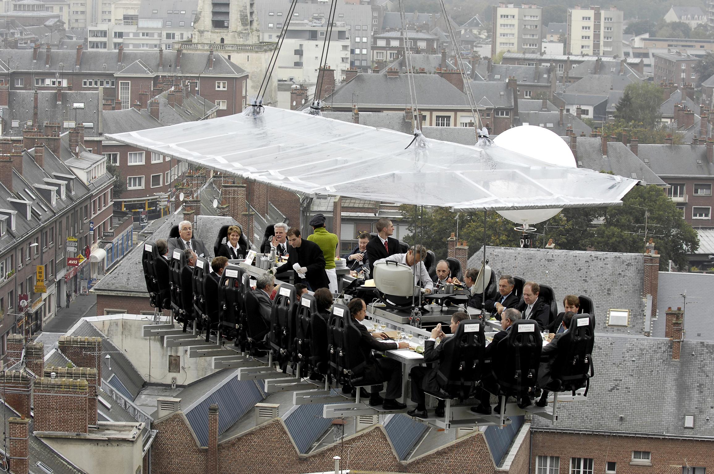 Dinner in the Sky2