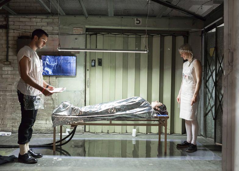 lucy mcrae ludzki odkurzacz przygotowania HIRO