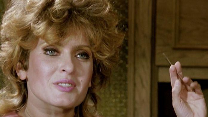 Kobieta z natapirowanymi włosami