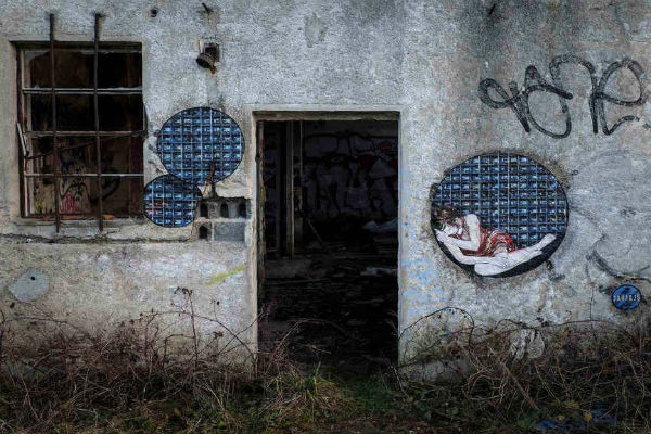 http://www.widewalls.ch/jana-js-forget-the-outside-inoperable-vienna-february-2015/#!prettyPhoto