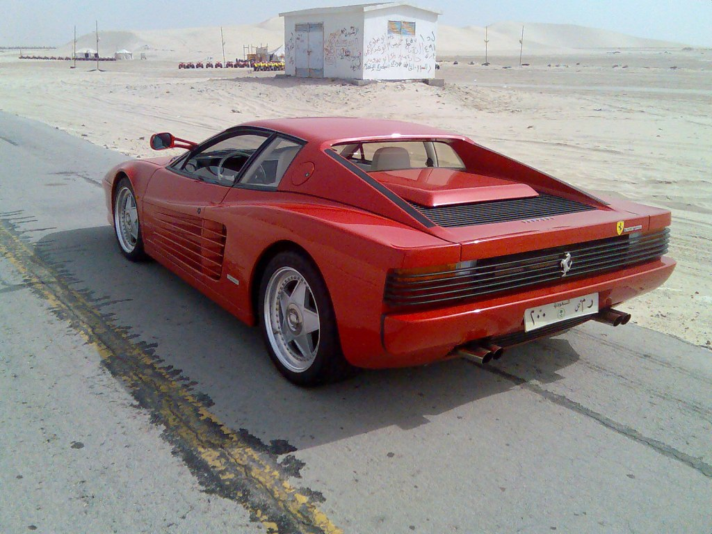 http://automobilesdeluxe.tv/wp-content/uploads/2009/01/ferrari-testarossa.jpg
