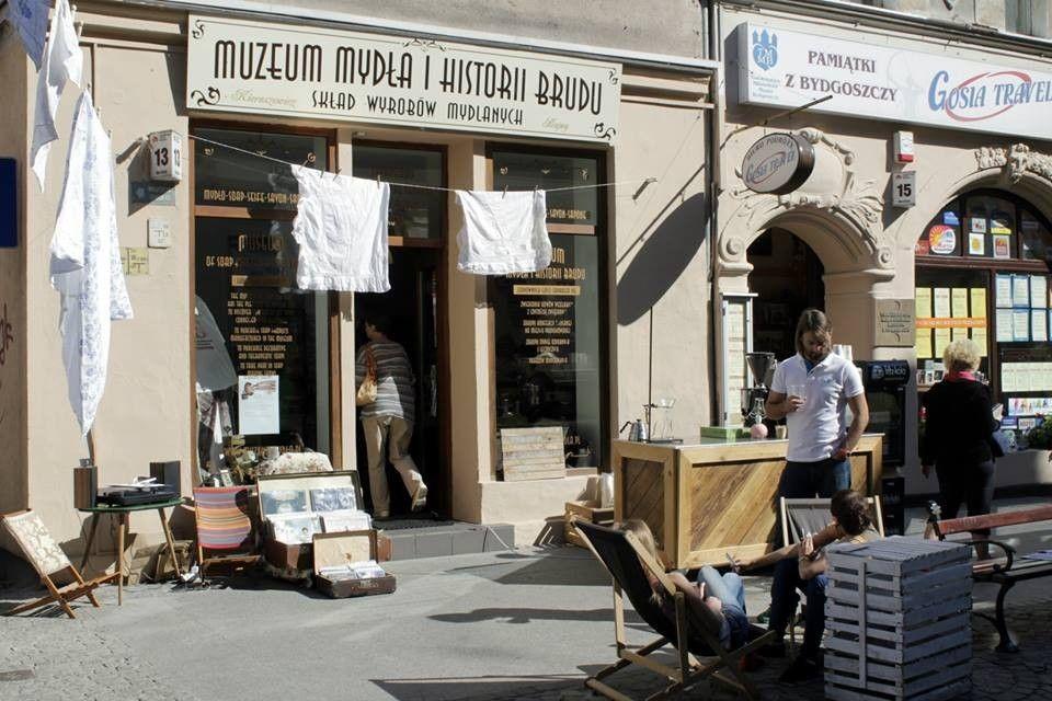 http://urloplandia.pl/o/muzeum-mydla-i-historii-brudu-bydgoszcz-atrakcje-imprezy-okolicznosciowe-203931