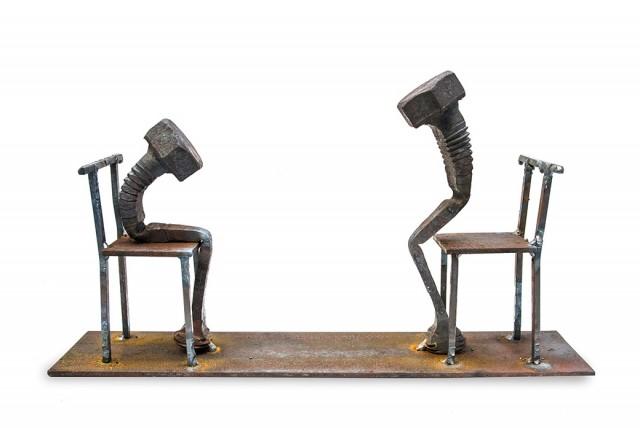 The-Bolts-Sculpture_0-640x428