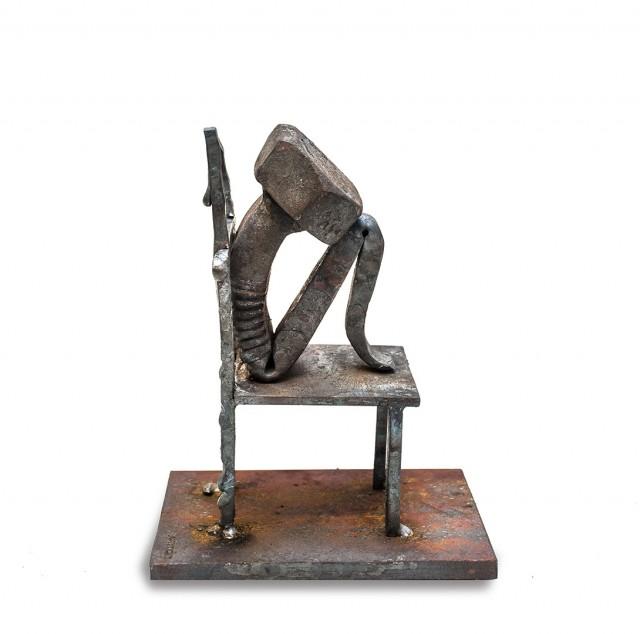 The-Bolts-Sculpture_4-640x634