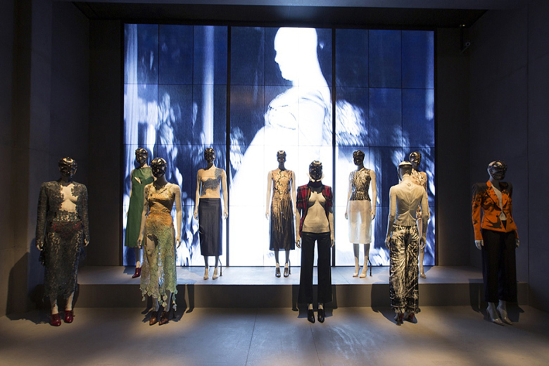a-look-inside-the-opening-of-alexander-mcqueen-savage-beauty-2