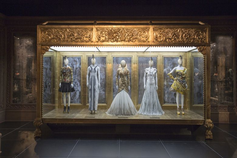 a-look-inside-the-opening-of-alexander-mcqueen-savage-beauty-4