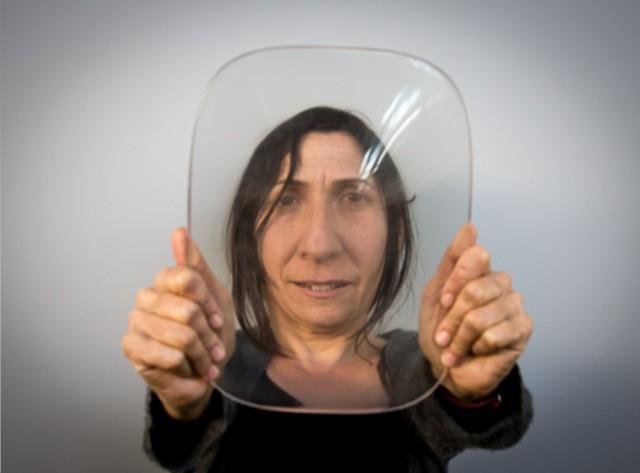 3D-Printed-Lenses-Distorting-Faces_3-640x473