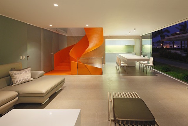 Flashy-Orange-Staircase-in-Modern-Home-6