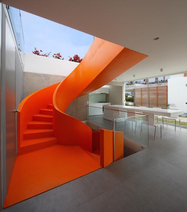 Flashy-Orange-Staircase-in-Modern-Home-8