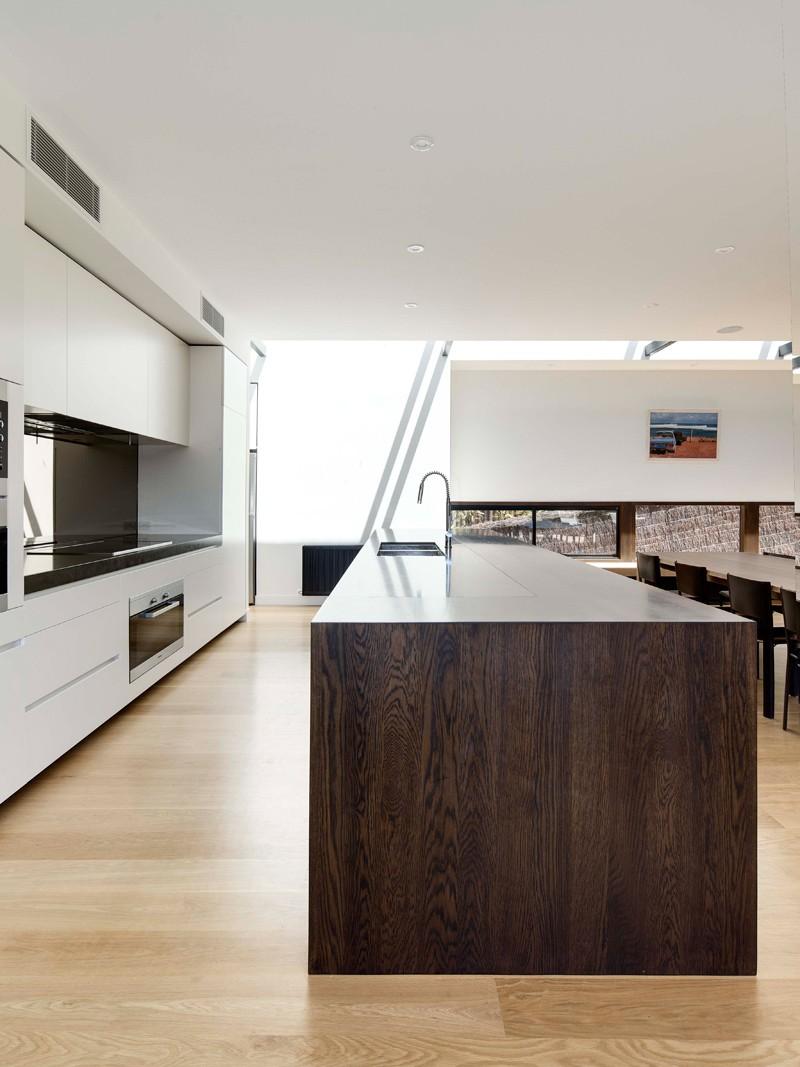 Mount-Martha-Beach-House-by-Wolveridge-Architects-15