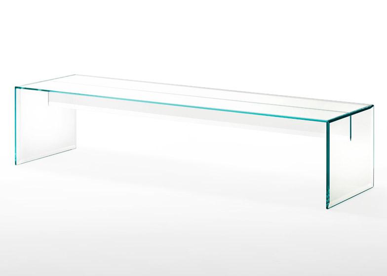 Prism-glass-bench_Tokujin-Yoshioka_Glas-Italia_dezeen_784_1