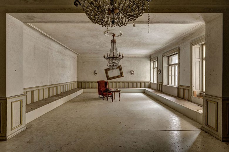 check-out-the-worlds-greatest-abandoned-hotels-1