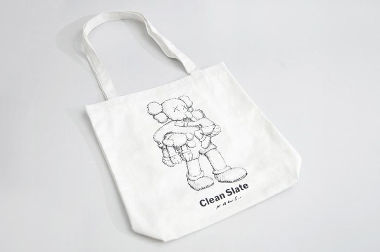 kaws-clean-slate-shanghai-times-square-limited-edition-mini-plush-dolls-9