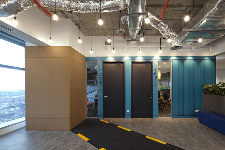 take-a-look-inside-booking-coms-singapore-office-by-sca-design-3