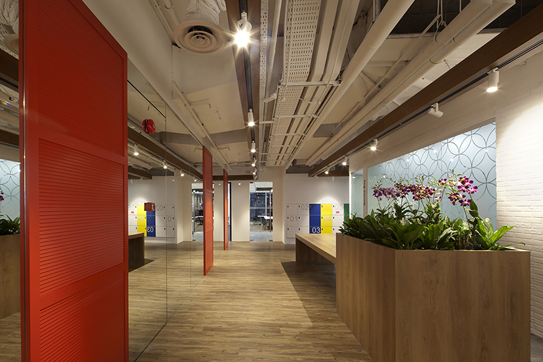 take-a-look-inside-booking-coms-singapore-office-by-sca-design-6