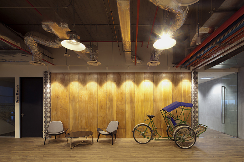 take-a-look-inside-booking-coms-singapore-office-by-sca-design-8