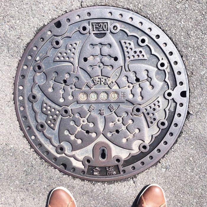 ufunk-plaques-egout-japonaises-1__700