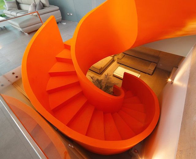 Flashy-Orange-Staircase-in-Modern-Home-3
