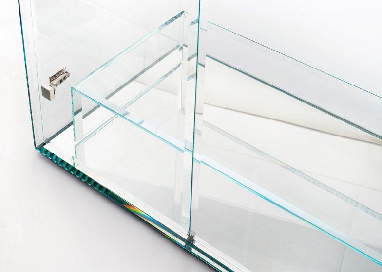 Prism-glass-closet_Tokujin-Yoshioka_Glas-Italia_dezeen_784_3
