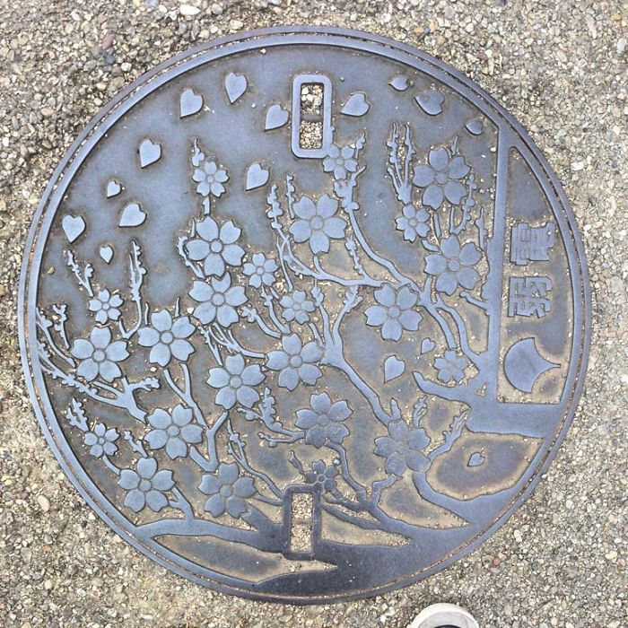 ufunk-plaques-egout-japonaises-6__700