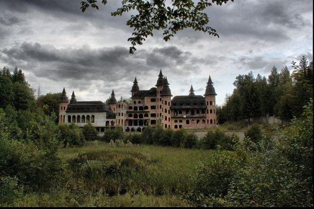 zamek-w-lapalicach