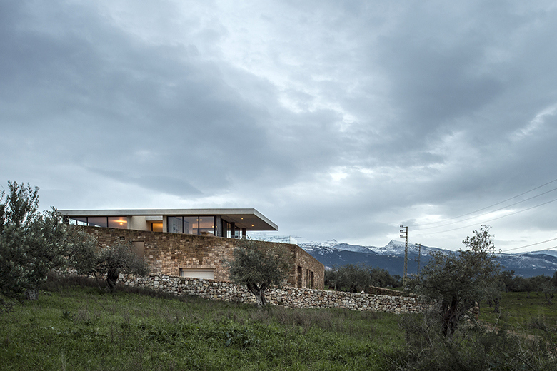 zgharta-house-by-platau-1