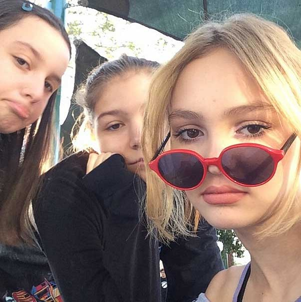 lily-rose_depp_private_bilder_johnny_depp_brille_instagram