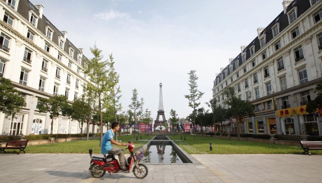 the-development-of-tianducheng-a-paris-replica-began-in-2007