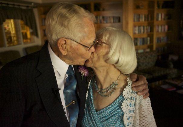 elderly-couple-wedding-photography-32__605
