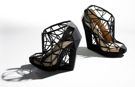 InvisibleNakedVersion-by-Andreia-Chaves-2011-V-and-A-Shoes-Pleasure-and-Pain-exhibition_dezeen_468_0