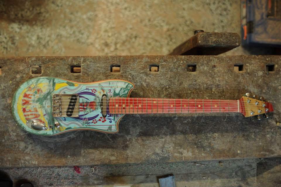Skateboard_Guitars_16