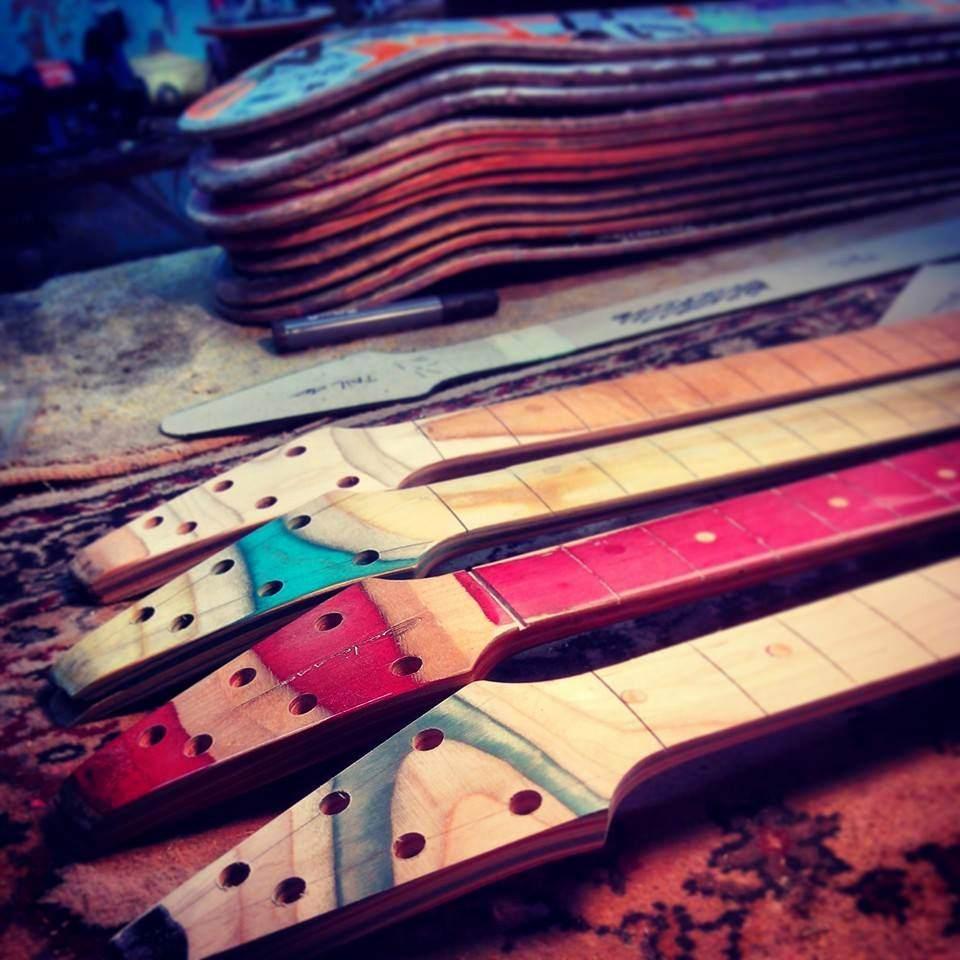 Skateboard_Guitars_14