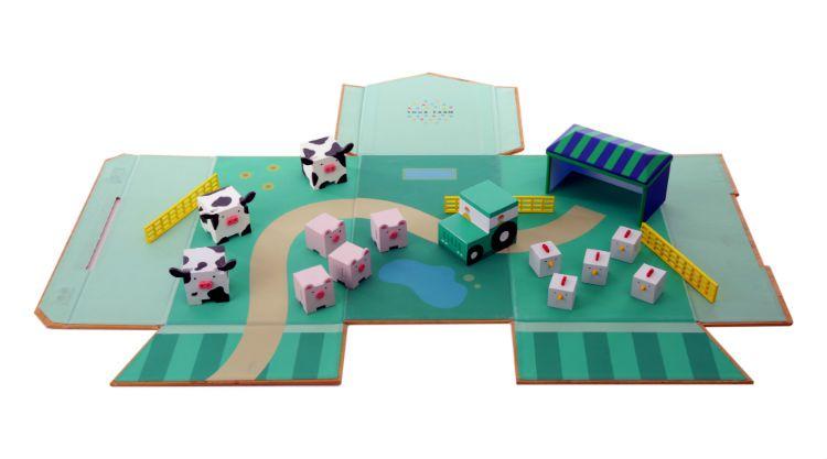 farm toy unfolded angled CV1A9808