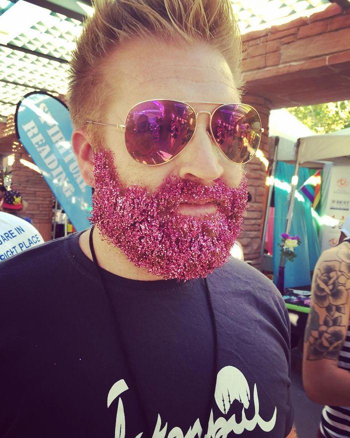 glitter-beard-trend-74__700