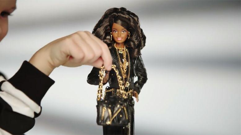 Moschino-Barbie-4