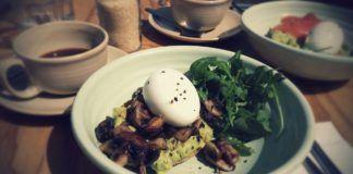 Jajko, rukola i zapiekany spód