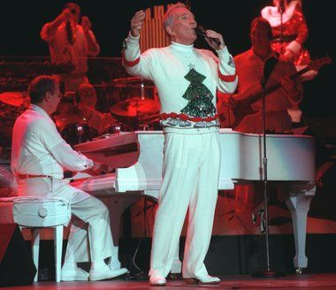 Andy Williams performs live at the Van Andel Arena during his Christmas concert. (GRPhoto)