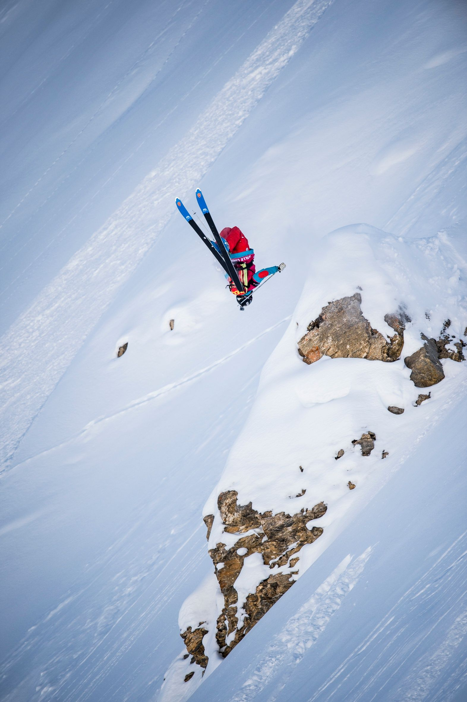Swatch Freeride World Tour by The North Face 2014: The best riders on the best mountains in the ultimate freeride competition. In 2014, the Swatch Freeride World Tour goes into its 7th season and consists of six (6) stops in Courmayeur Mont-Blanc (Italy), Chamonix-Mont-Blanc (France), Fieberbrunn Kitzbüheler Alpen (Austria), Revelstoke (Canada), Kirkwood (USA) and the final in Verbier (Switzerland).
