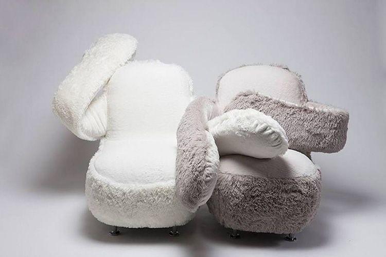 free hug sofa 3