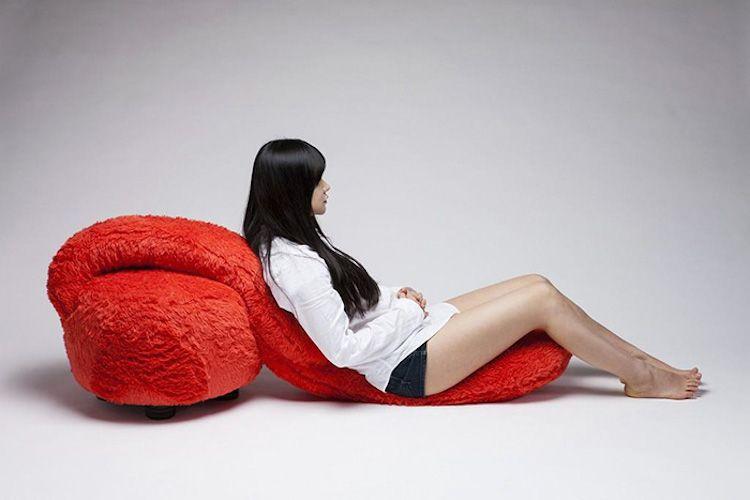 free hug sofa 4