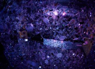 fioletowe szkło