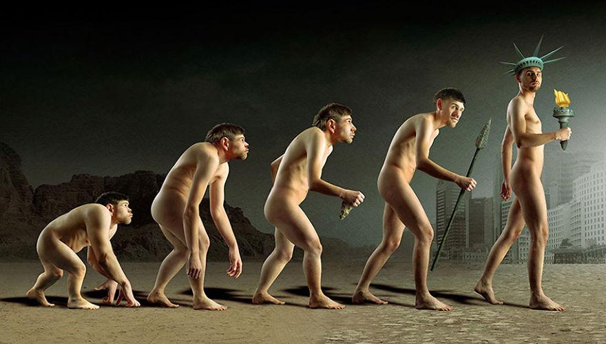 surrealistyczna grafika Igora Morskiego, ewolucja przedstawiona na pięciu mężczyznach, ostatni - wolność, statua wolności