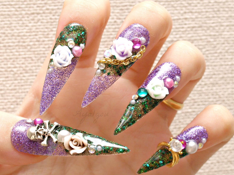 Ozdoby na paznokciach zielono-fioletowe