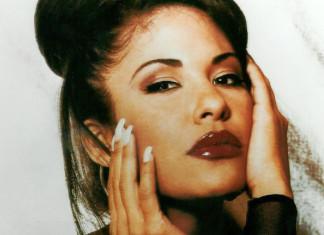 Twarz Seleny w pięknym mocnym makijażu