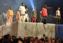 pokaz kolekcji czarnoskórych mężczyzn