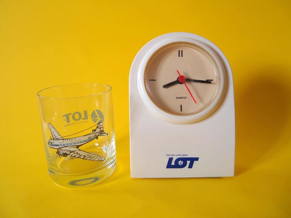 szklanka i zegarek lotu