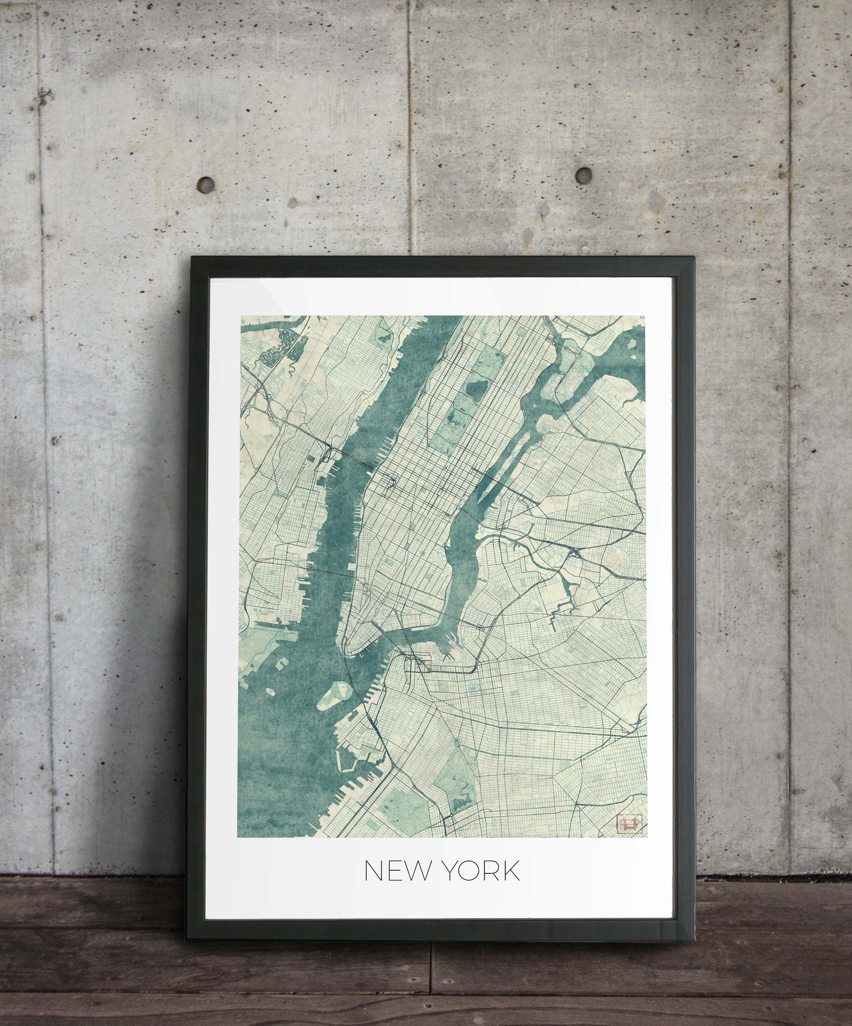 zdjęcie plakatu, opartego o ścianę przedstawiający Nowy York