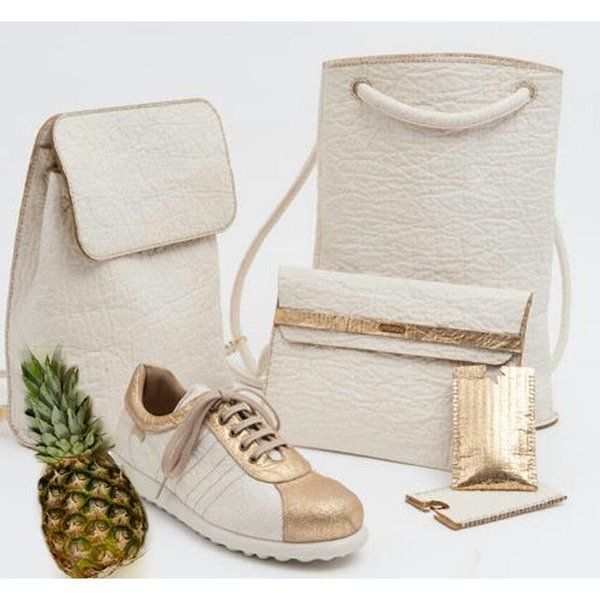 torebki i but z beżowej skóry