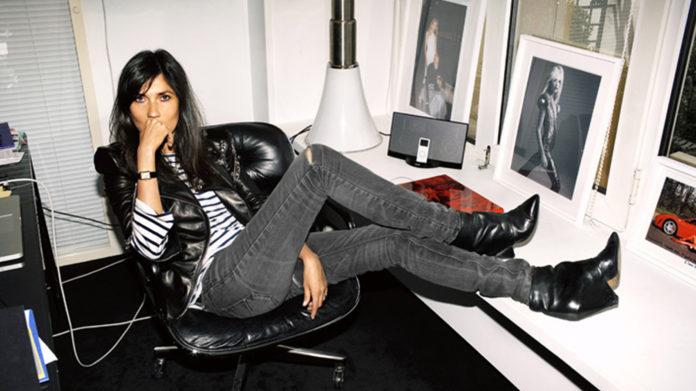 Emmanuelle Alt w biurze